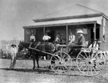 Picture relating to Alton Downs - titled 'Carriage in front of Alton Downs Hotel, Alton Downs, 1902'