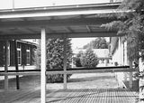 Picture relating to Canberra - titled 'Courtyard and walkways at Canberra Community Hospital'