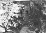 Picture relating to Black Mountain - titled 'Workmen excavating the Black Mountain reservoir .'