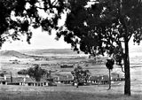 "Picture relating to Duntroon - titled 'View from Red Hill towards Duntroon - Hotel Wellington in centre. under construction. Oakley and Parkes "" Forrest Park ""homes in foreground.'"