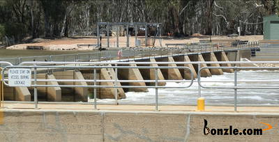 Picture of / about 'Wentworth' New South Wales - Weir at Lock 10 Murray River Wentworth